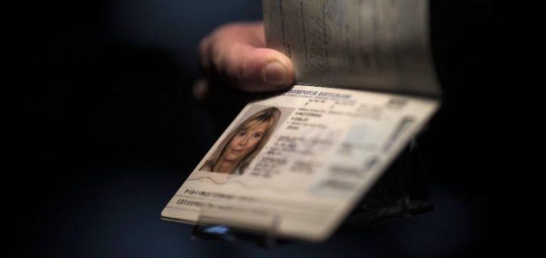 Come fare le foto per il passaporto italiano: dimensioni e caratteristiche della fototessera adatta per il passaporto elettronico